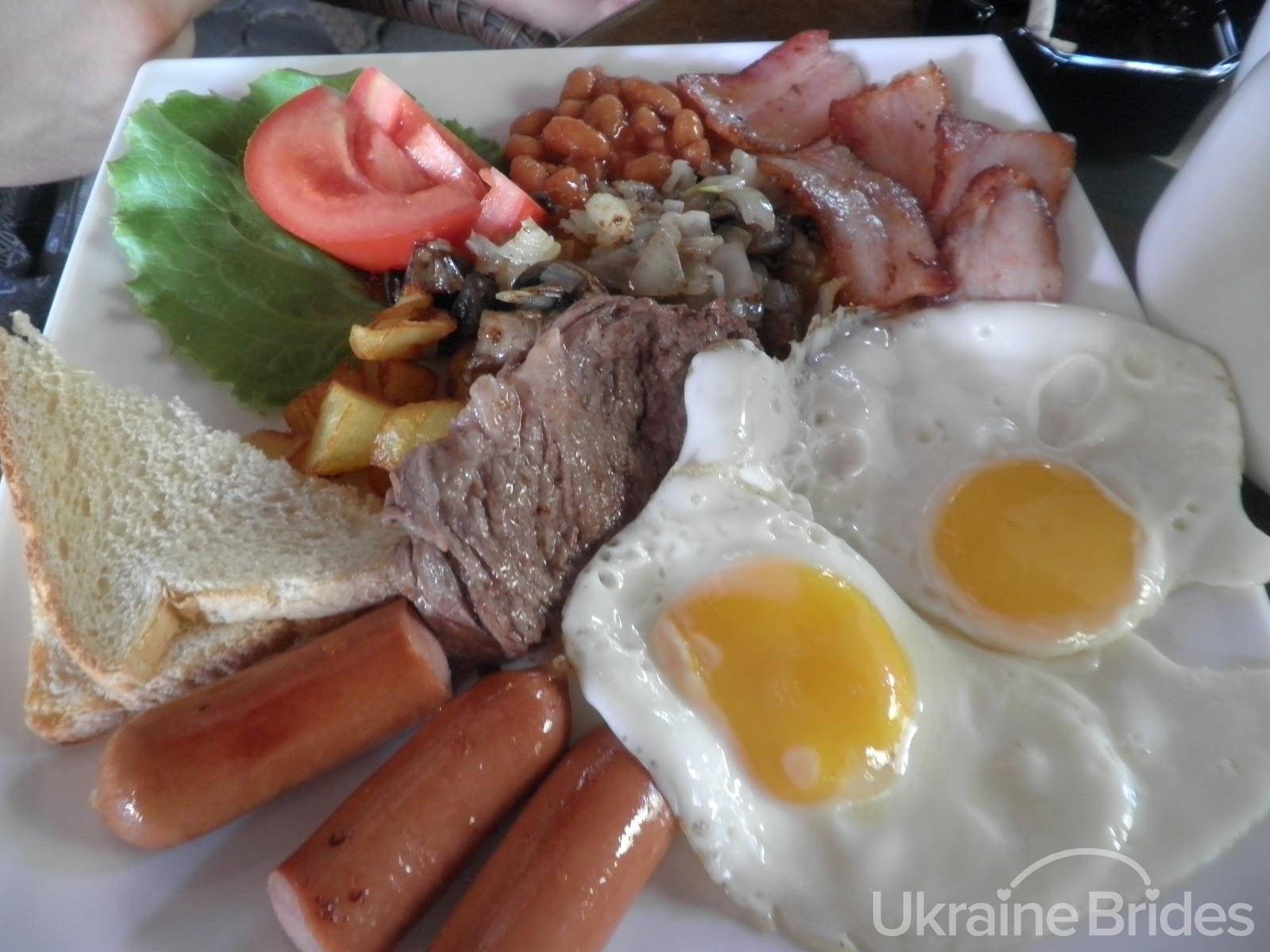 Ukrainian Women Breakfast