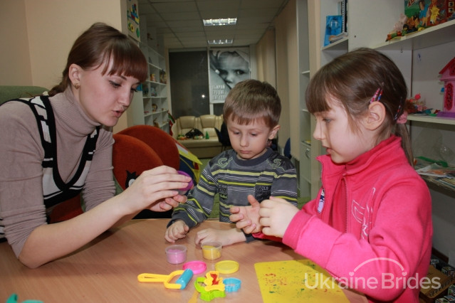 Single Ukrainian women with children