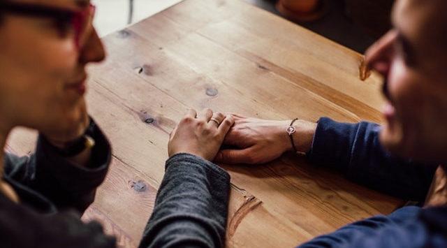 Dating etiquette for men